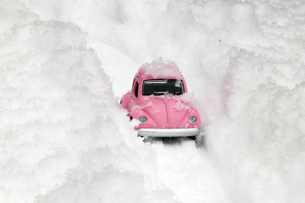 Vinterforberedelser i Mellomenga Borettslag.